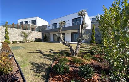 Bodrum Ideal Town Müstakil Geniş Bahçeli Manzaralı Satılık Villa