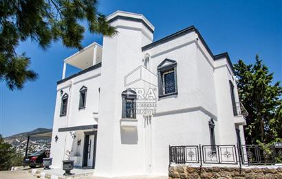 Bodrum Bardakçı 'da Site İçerisinde Satılık Müstakil Villa